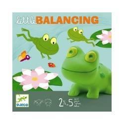 BALANCING-Spielchen des Gleichgewichts im Alter von 2-5
