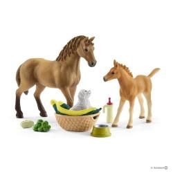 KIT CURA DEI CUCCIOLI cavalli SCHLEICH set gioco HORSE CLUB 42432 miniature in resina SARAH età 5+