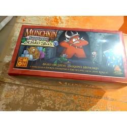 MUNCHKIN DUNGEON BOARD GAME...